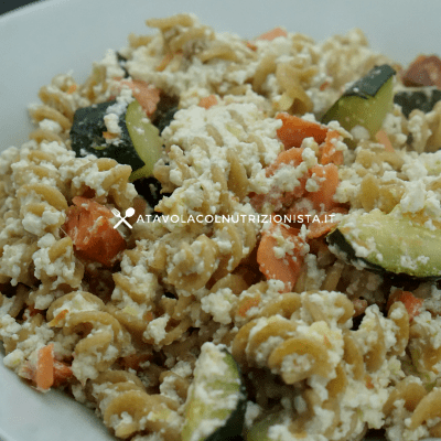 pasta integrale ricotta salmone zucchine