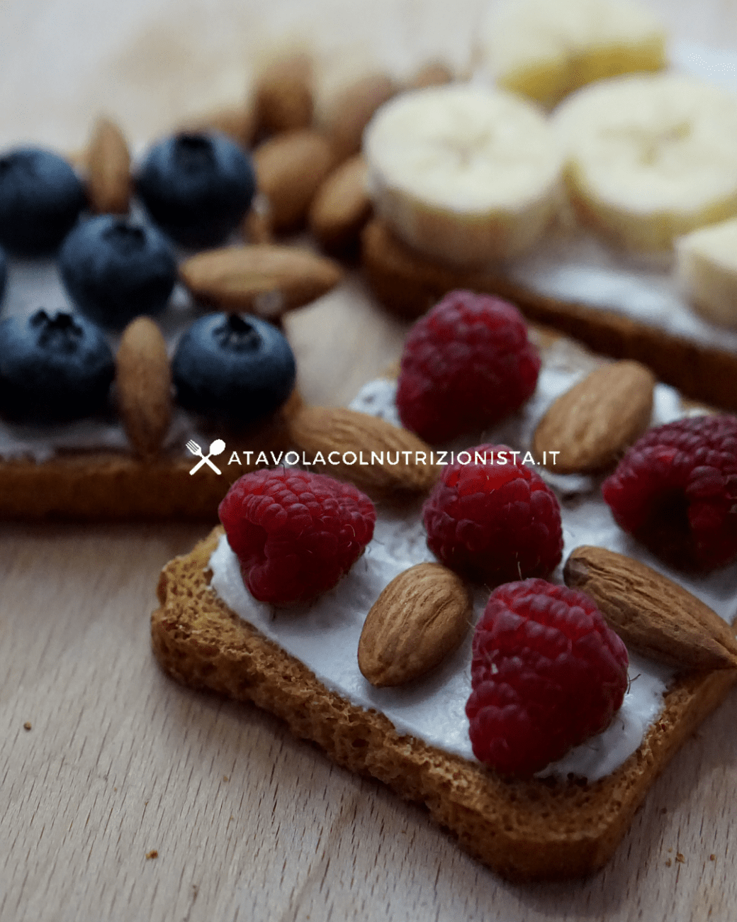 Colazione semplice: Fette biscottate farcite