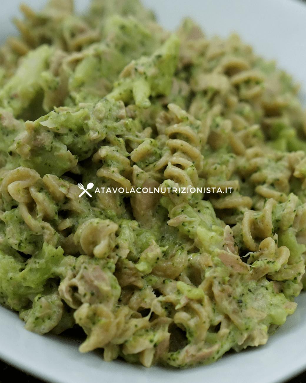 Pasta integrale con prosciutto, broccoli e philadelphia