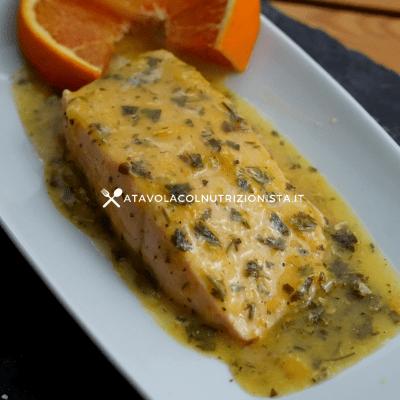 Filetto di salmone in salsa d'arancia
