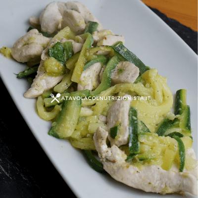 pollo cremoso con zucchine julienne