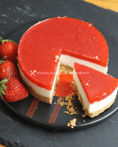 cheesecake fit alle fragole senza cottura