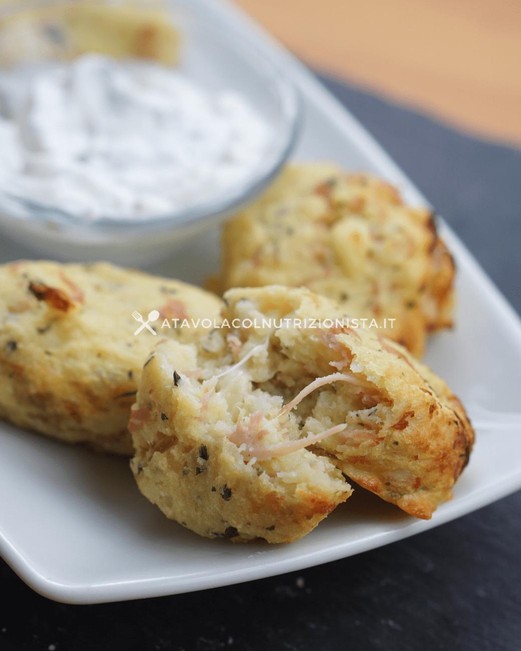 Polpette di patate con prosciutto e mozzarella filante