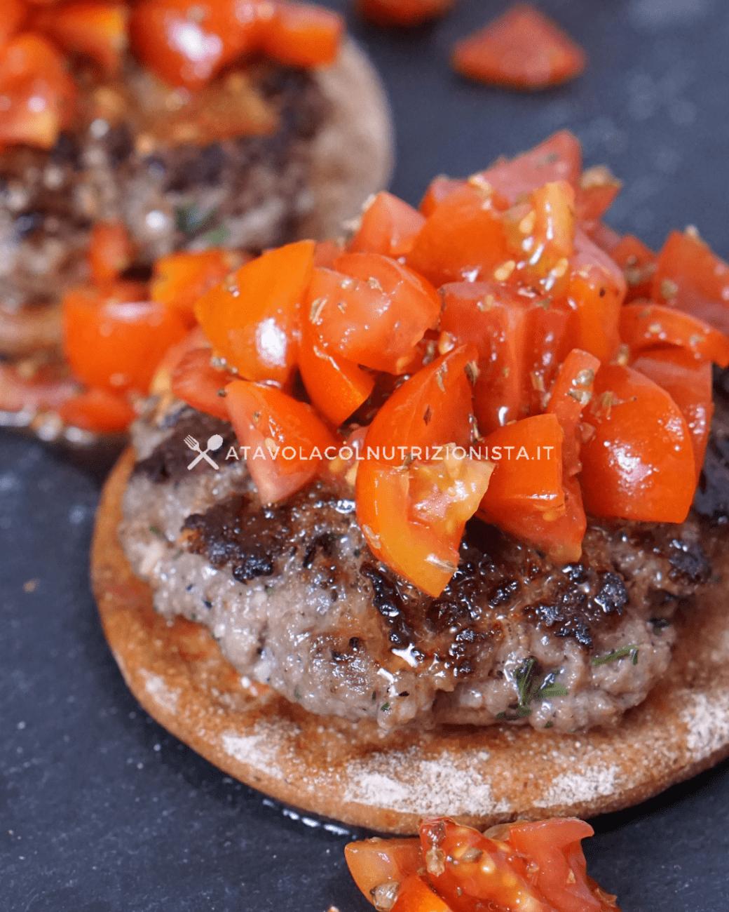 Hamburger bruschetta – Ricetta Perfetta