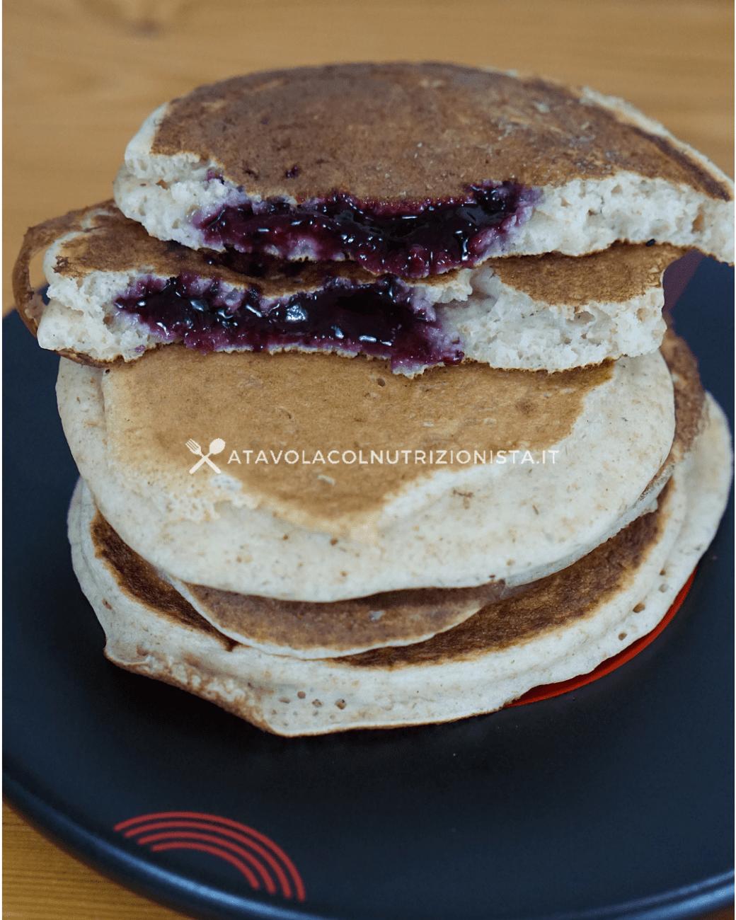 Pancake Light Integrali Ripieni di Marmellata – Ricetta Facile e Gustosa