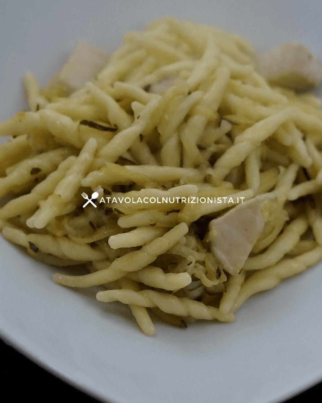 Pasta con pesce spada e zucchine