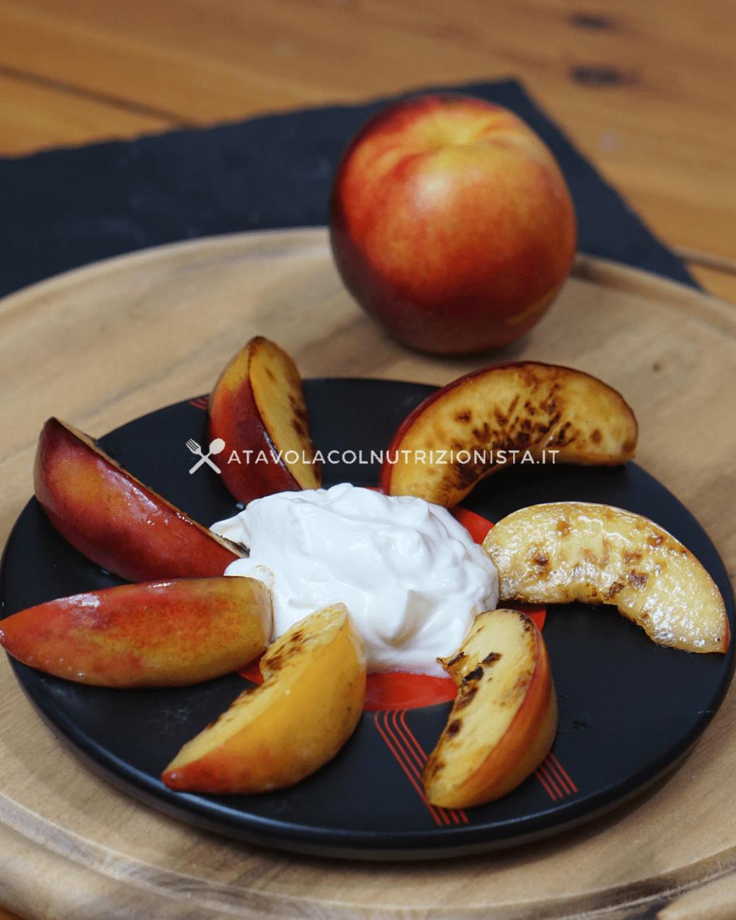 Pesche Grigliate con lo Yogurt – Ricetta Semplicissima