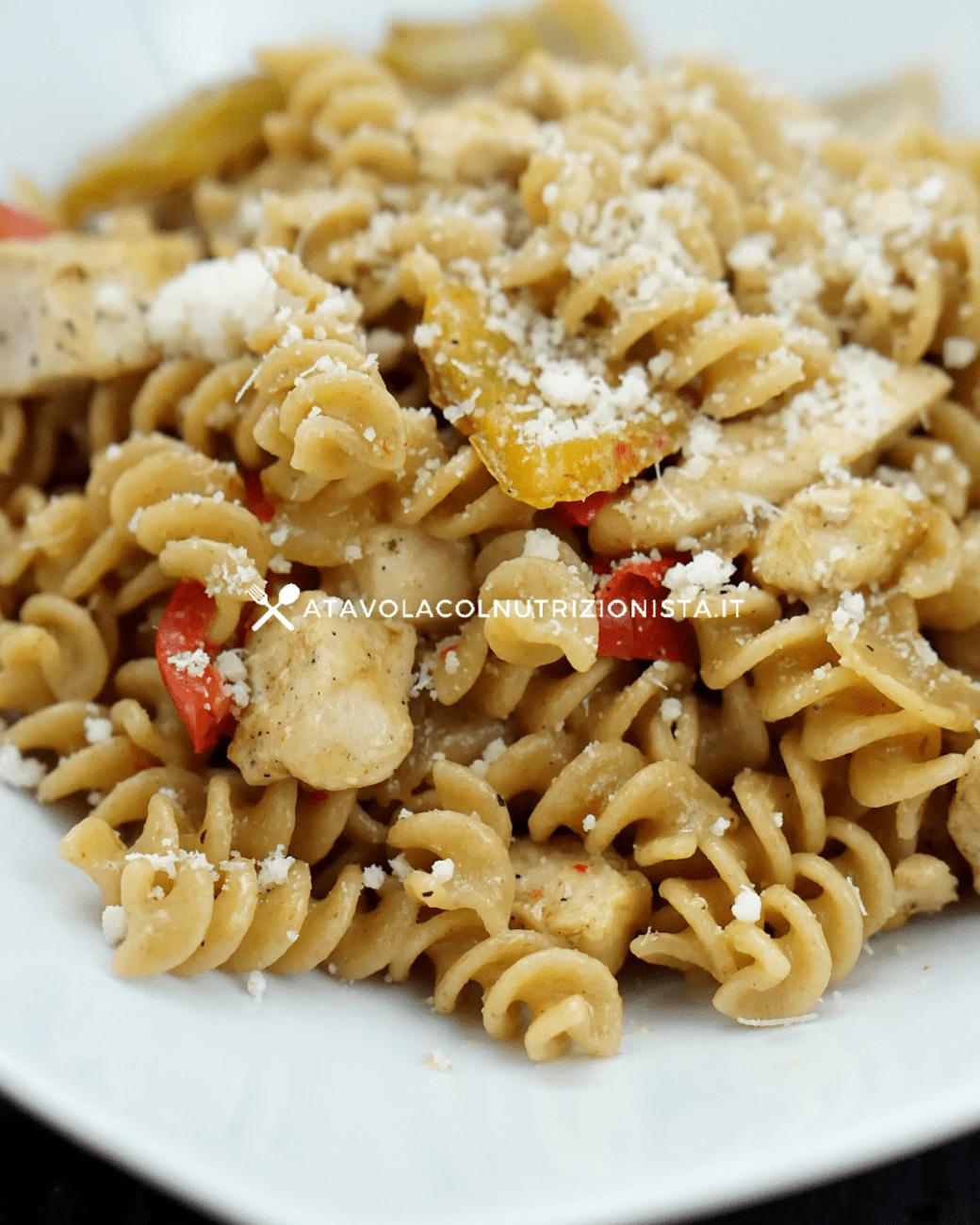 Pasta Integrale con Pollo e Peperoni