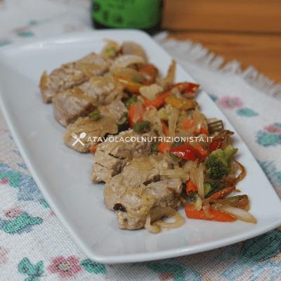 tagliata di tonno con verdure e salsa di soia