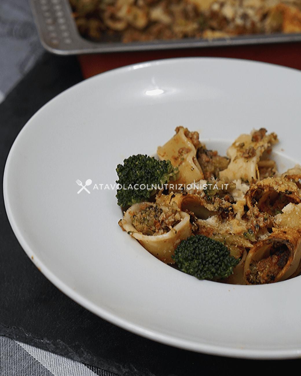 Calamarata con Sugo di Carne e Broccoli – Pasta al Forno