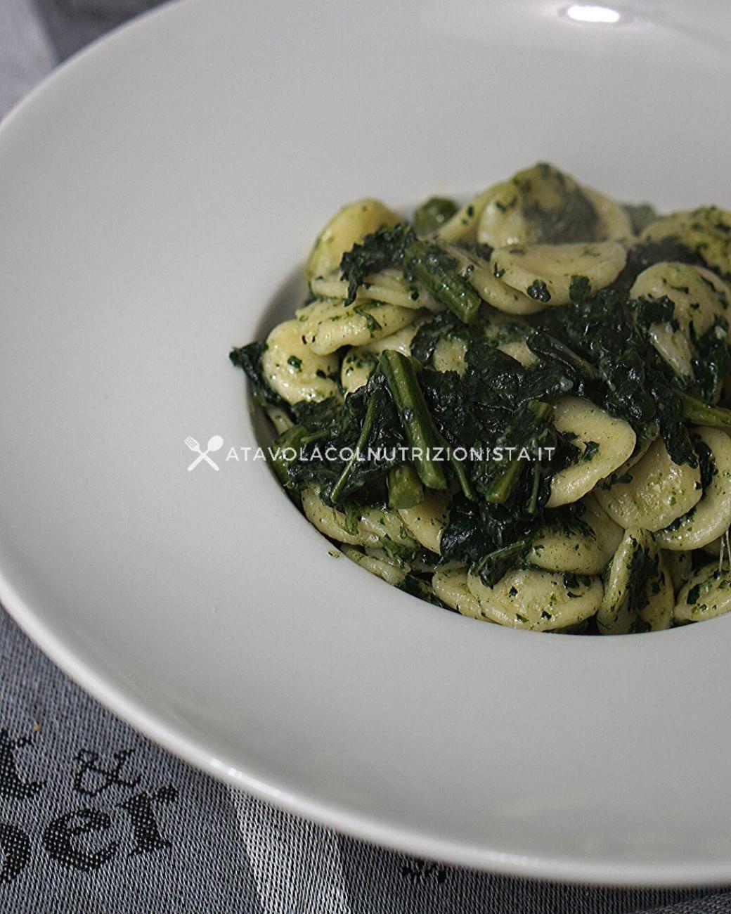 Pasta col Cavolo Nero: La ricetta vegana del primo piatto semplice e ricco di fibre