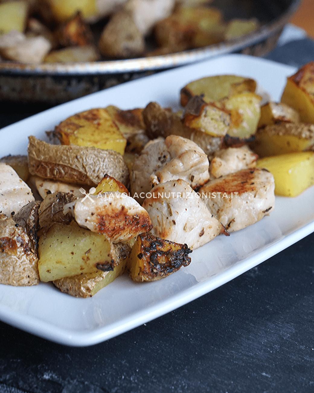 Bocconcini di Tacchino con le Patate al Forno: La ricetta del secondo facile e gustoso