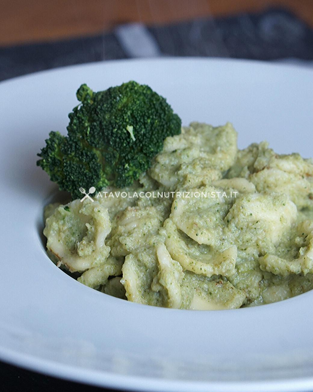 Pasta con Crema di Broccoli e Tonno