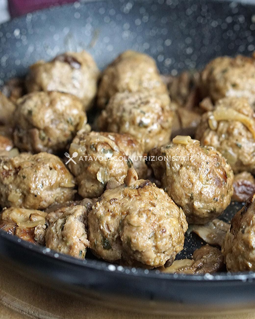 Polpette di carne con i funghi porcini