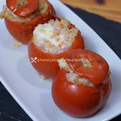 Pomodori Ripieni Filanti con Orzo e Mozzarella