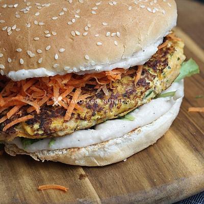 Hamburger di Carote con Crema di Fagioli Cannellini
