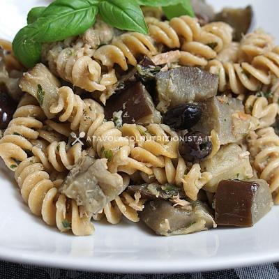 Pasta Integrale Fredda con Melanzane, Tonno e Olive