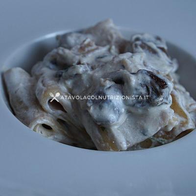 ricetta paccheri funghi porcini e ricotta