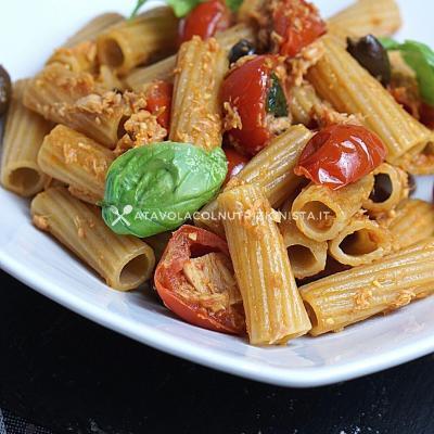 ricetta piatto unico Pasta Integrale con Tonno, Pomodorini e Olive