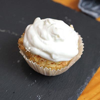 ricetta Cupcake alle Carote senza zuccheri aggiunti con Topping di Crema di Yogurt Greco