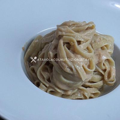 ricetta pasta con crema di salmone
