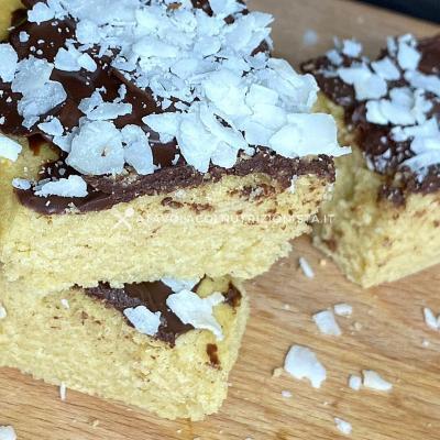 ricetta Quadrotti Cocco e Cioccolato con Farina di Avena
