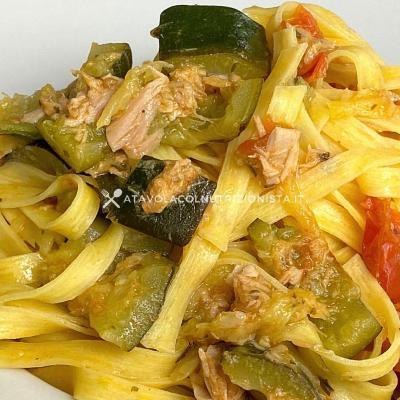 ricetta Pasta con Tonno, Pomodorini e Zucchine