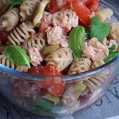Pasta Fredda con Tonno, Pomodorini e Olive