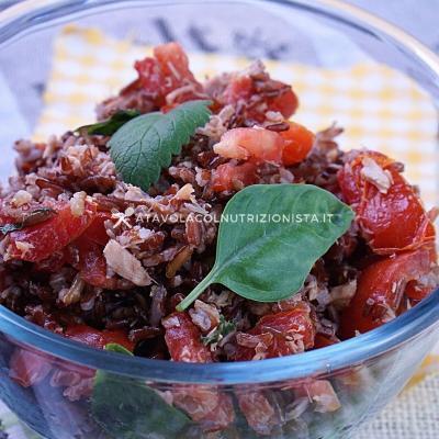 Insalata di Riso Rosso con Tonno e pomodori